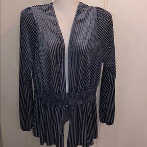 🎉 HP- Fashion Nova Beautiful Blue Blouse